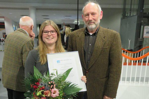 Ehemalige Schülerin gewinnt Ingenieurpreis