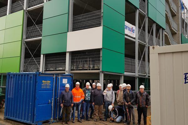 Berufsfachschule Bautechnik besucht das neue Parkhaus