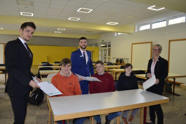 OLB schult Schülerinnen und Schüler des Beruflichen Gymnasiums