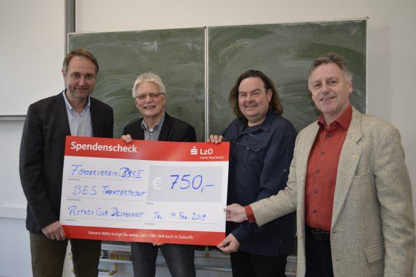 Rotary Club Delmenhorst spendet für Theaterprojekt in der Berufseinstiegsschule